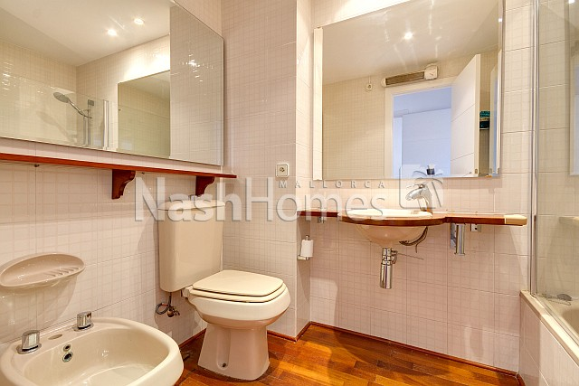 bathroom1_new.jpg