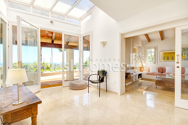 living_room-conservatory_to_terrace_(1).jpg
