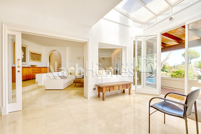 living_room-conservatory_to_terrace_(2).jpg