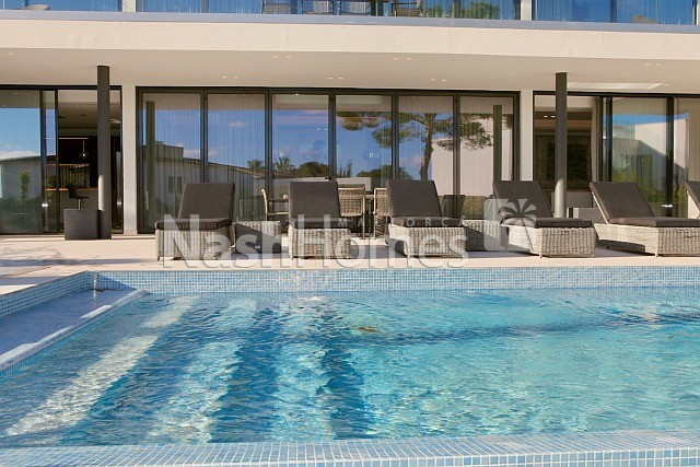 exterior_with_pool_(1).jpg
