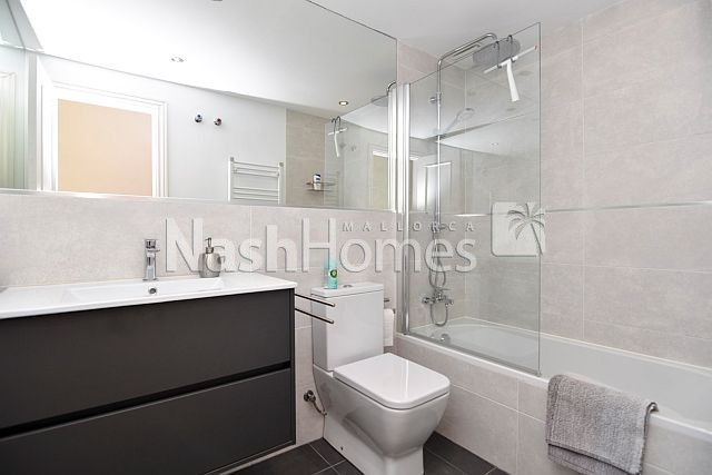 bathroom3_(2).jpg